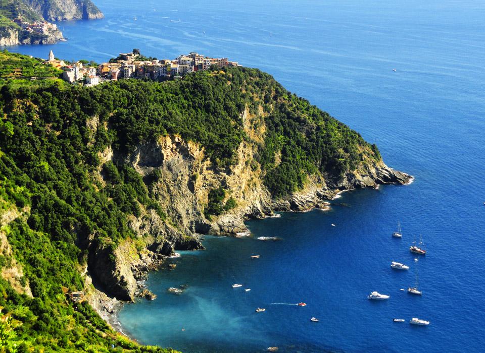 corniglia-cinque-terre-sailing-holidays-cruise-960