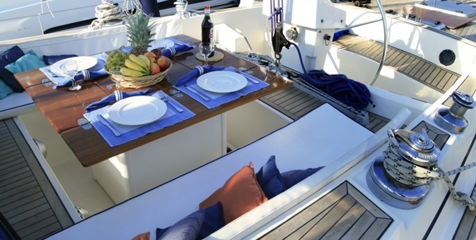 Dream1-sailing-holidays-daily-cruise-aperitif